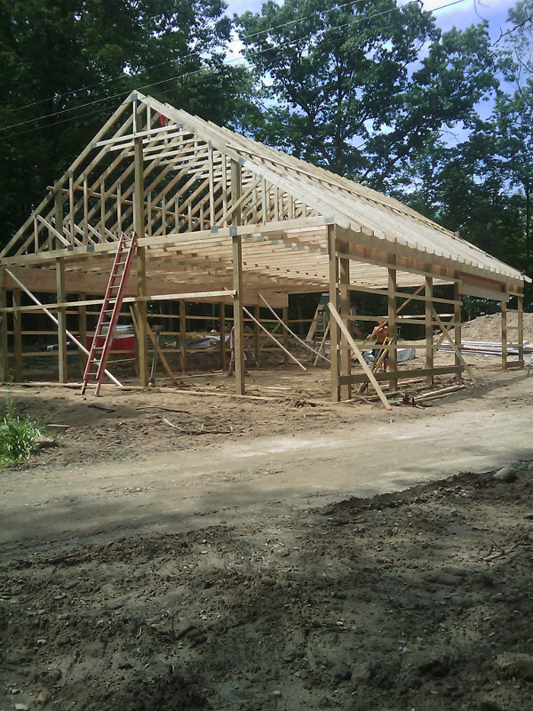 Project gallery pole building photos omni builders for Barn home builders