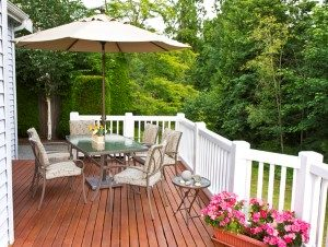 3 Reasons To Install A New Deck